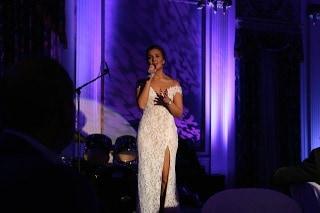 Bedat & Co. Ambassador Carly Paoli performs at prestigious David Foster Foundation