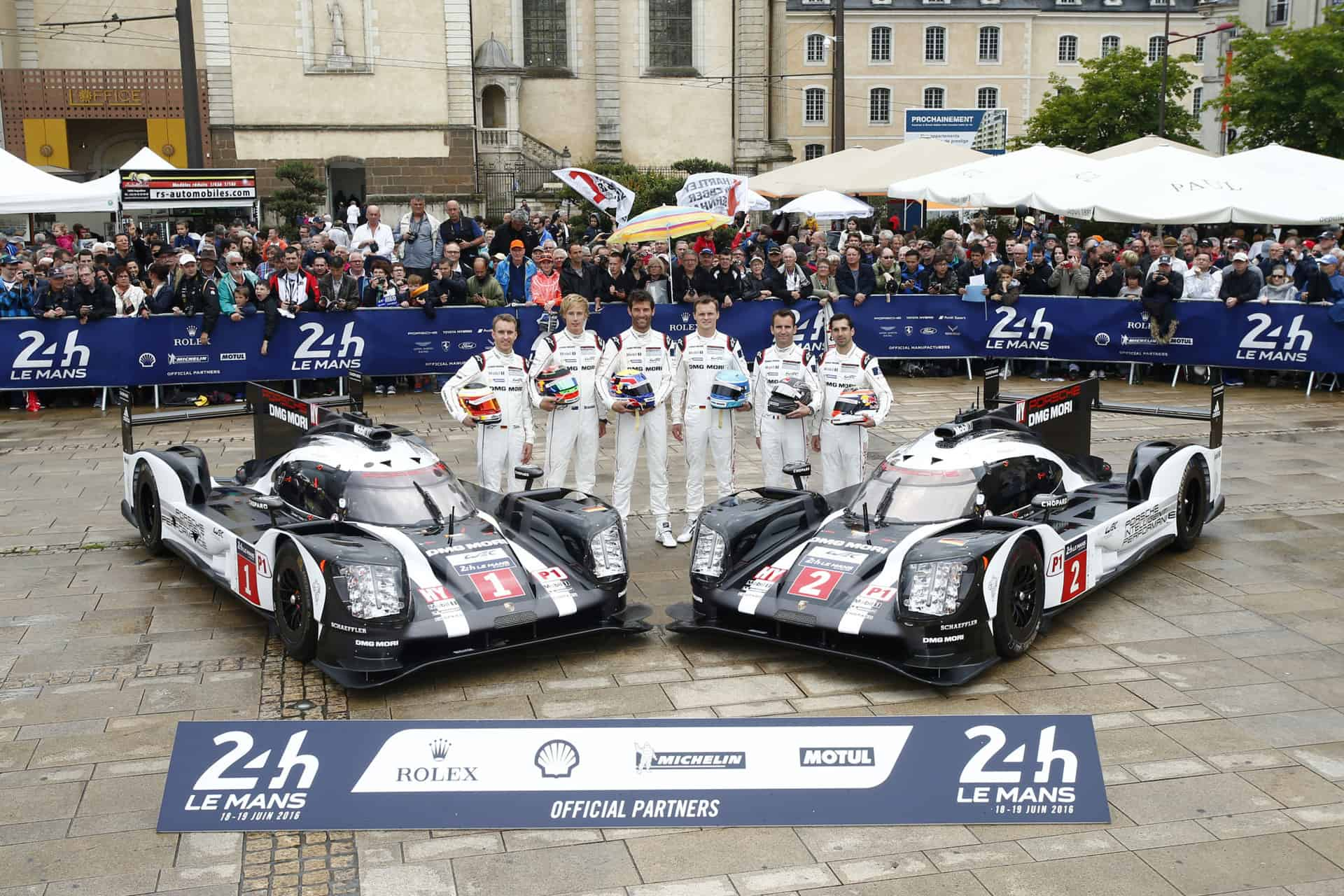 Porsche 919 Hybrid, Porsche Team 1: Timo Bernhard, Brendon Hartley, Mark Webber, Porsche Team 2: Marc Lieb, Romain Dumas, Neel Jani (l-r)